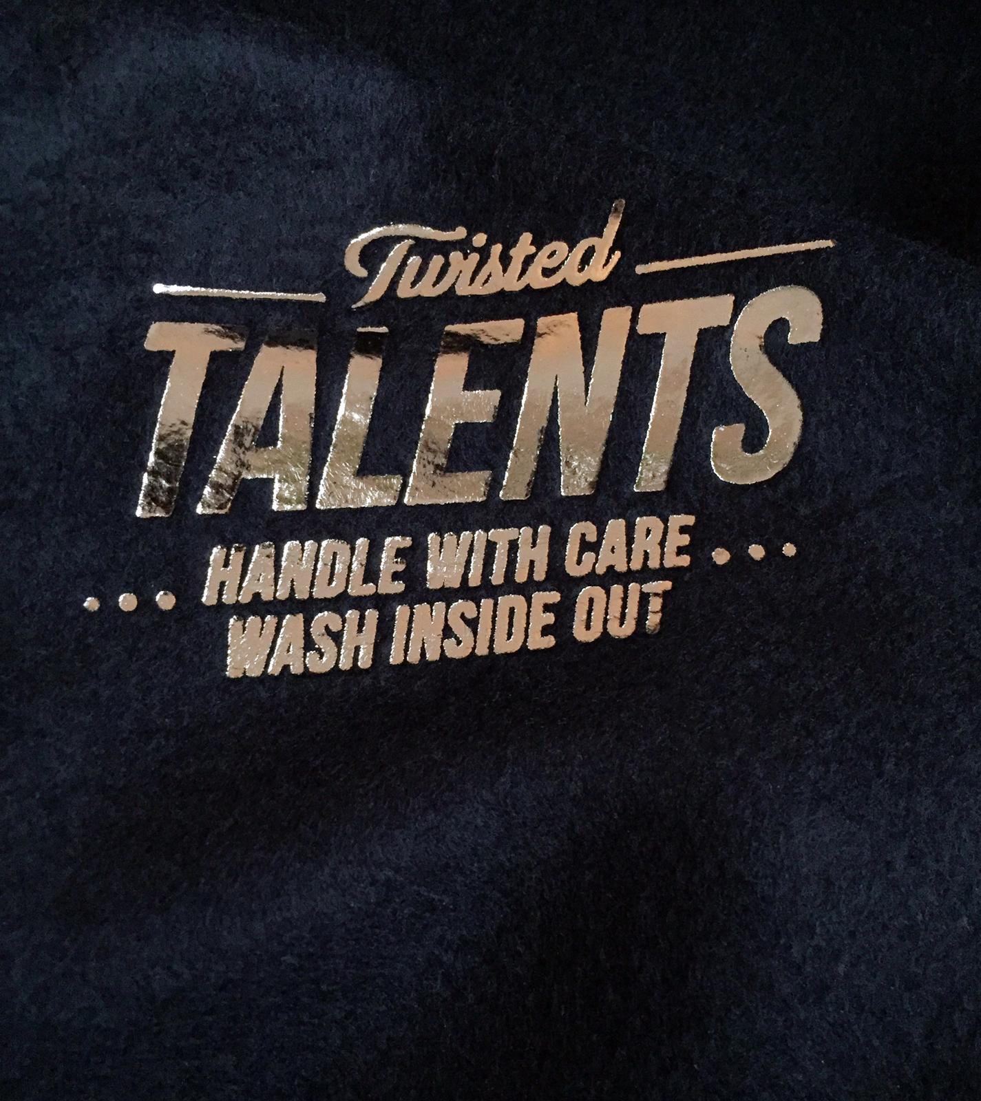 TWISTED TALENTS Graphic Design T-Shirts einfach online kaufen. twstd tlnts